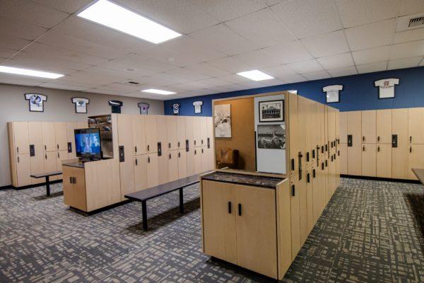 mens-locker-003