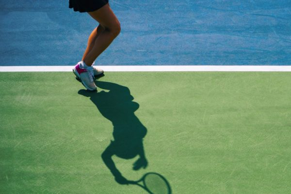 tennis-serve-silhouette-picture-id598063640